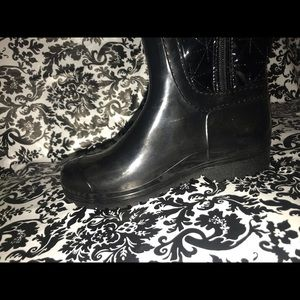 LUCKY TOP Shoes - OMG!! GORGEOUS RAIN BOOTS BLACK W/BLING SIZE 1